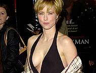 Tea Leoni cleavage shots and titslip vidcaps