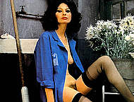 Sophia Loren exposed her tits and hairy pussy